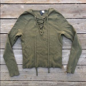 Make an offer! 🔥H&M lace up long sleeve sweater